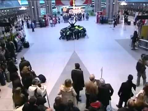 Lisbon Airport Flash Mob