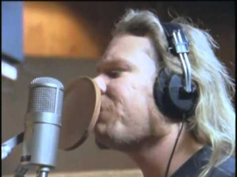Nothing Else Matters – Metallica (Official Music Video!)